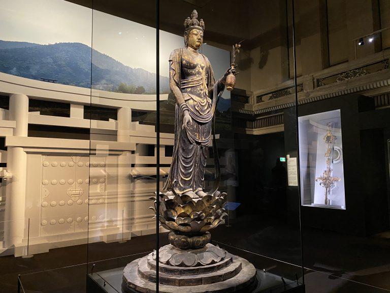 『十一面観音菩薩立像』