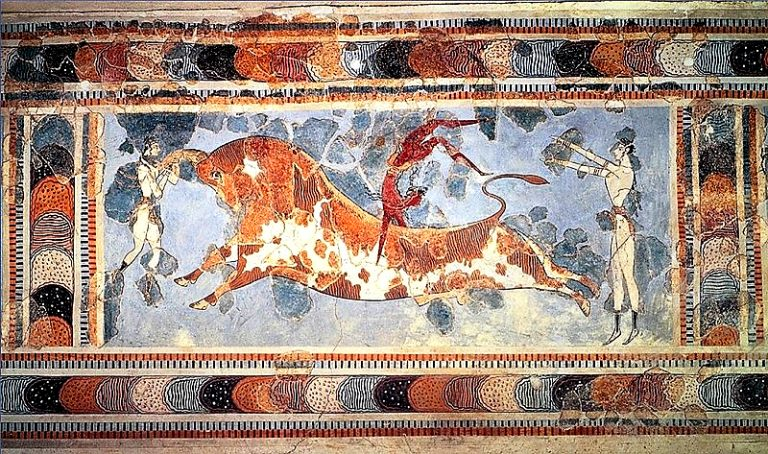 雄牛と二人の女性が描かれたフレスコ画