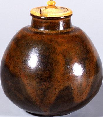 大名物《唐物茄子茶入 付藻茄子》南宋~元時代(13-14世紀) (公財)静嘉堂蔵