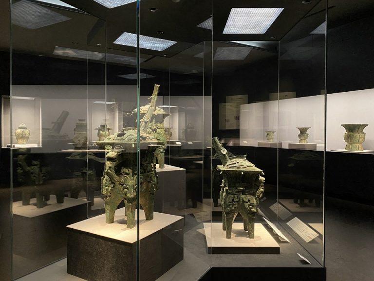 根津美術館の展示室4にて開催中の『古代中国の青銅器』。