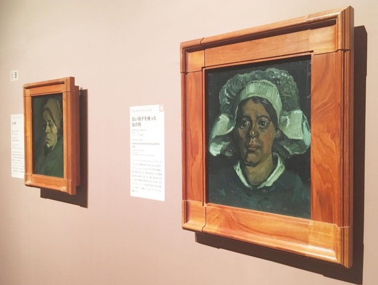 左フィンセント・ファン・ゴッホ《女の顔》1884年11月-1885年1月    右フィンセント・ファン・ゴッホ《白い帽子を被った女の顔》1884年11月-1885年5月    いずれもクレラー=ミュラー美術館