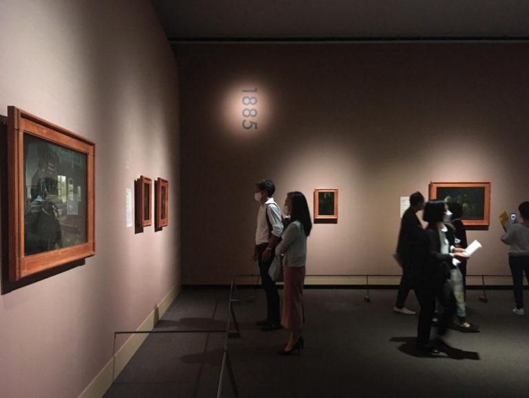 初期のオランダ時代(エッテン、ハーグ、ニューネン)に描いた素描や版画の展示